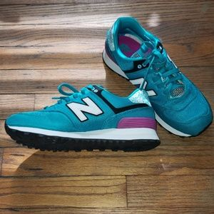 New Balance 574-Teal Size 8.5